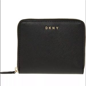 DKNY Vela Small Zip Around Wallet - Black